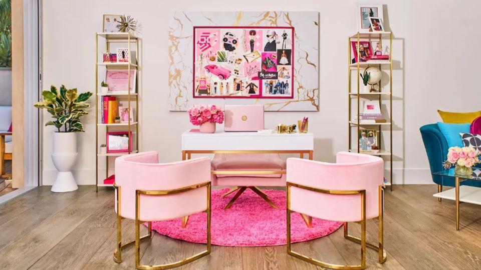 O escritório da Barbie