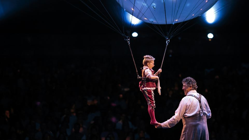 Helium Dance_Lucas Saporiti Costumes Dominique Lemieux 2015 Cirque du Soleil Photo 3