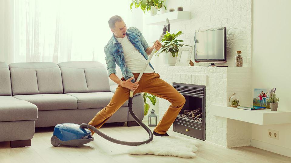 Homens que gostam de limpar a ...