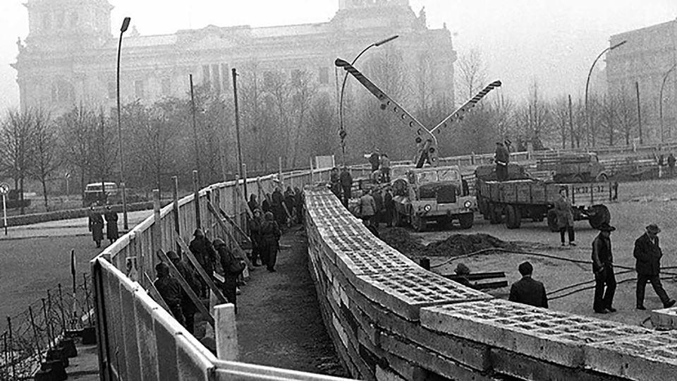 Início do muro de Berlim