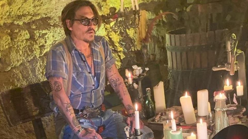 ​Johnny Depp estreia-se no Ins...