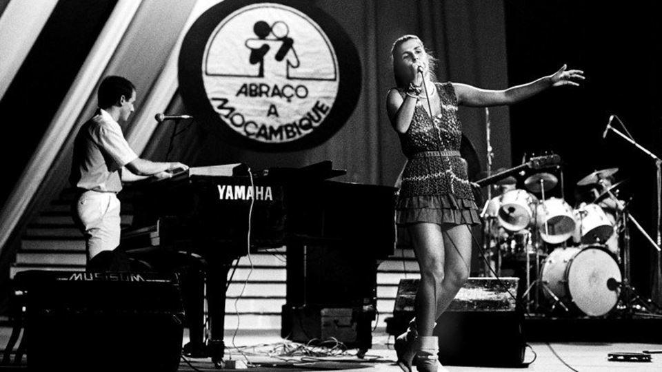 Lena Dágua concerto Abraço a Moçambique Coliseu de Lisboa 24 de Julho de 1985