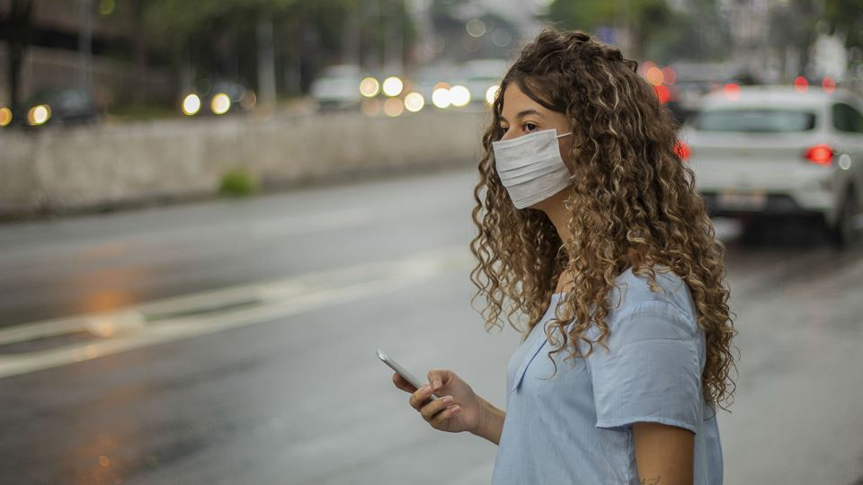 Máscara na rua vai passar a se...