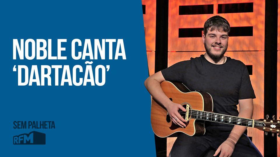 Noble canta Dartacão no Sem Pa...