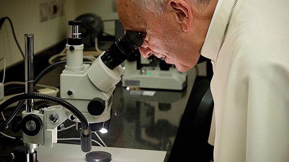 Papa Microscópio