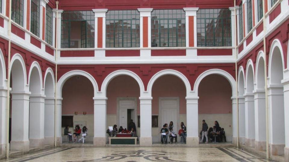 O liceu mais antigo de Portuga...