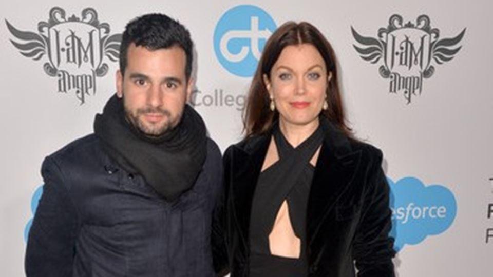 O músico Pedro Segundo e a atriz Bellamy Young