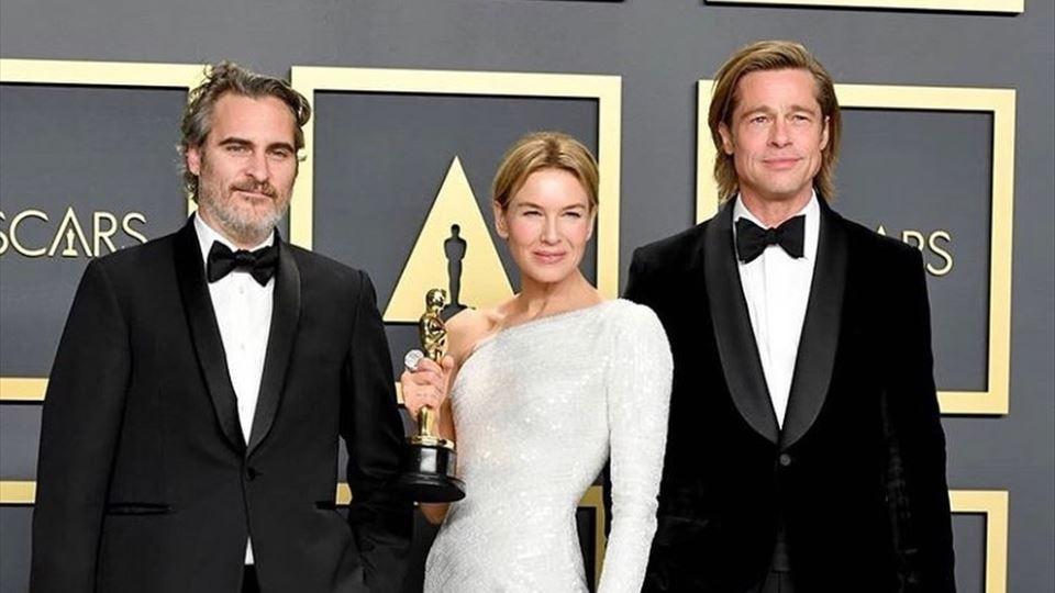 Melhor ator Joaquin Phoenix, melhor atriz René Zellweger e melhor ator secundário Brad Pitt