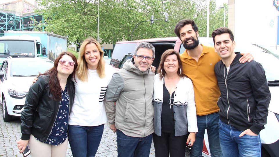 """A equipa do Café da Manhã com alguns dos """"boleistas"""""""