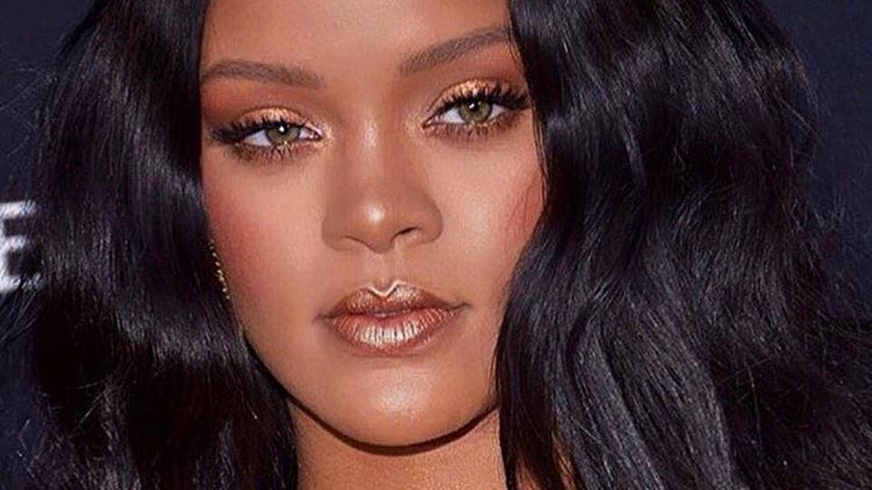 Rihanna doa milhões para ajuda...