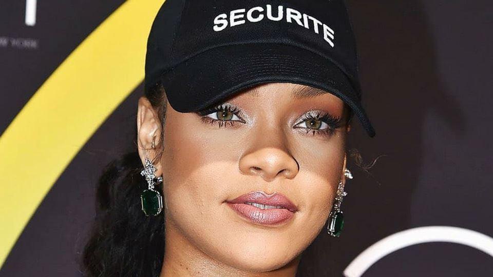 Rihanna está de volta à música...