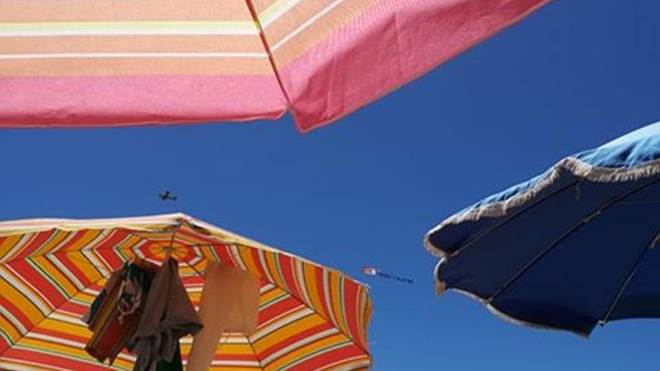 Sónia Espanhol - avião na Manta Rota