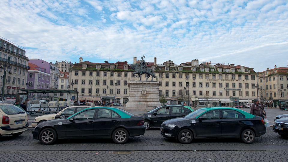 Em Lisboa, os táxis vão levar ...